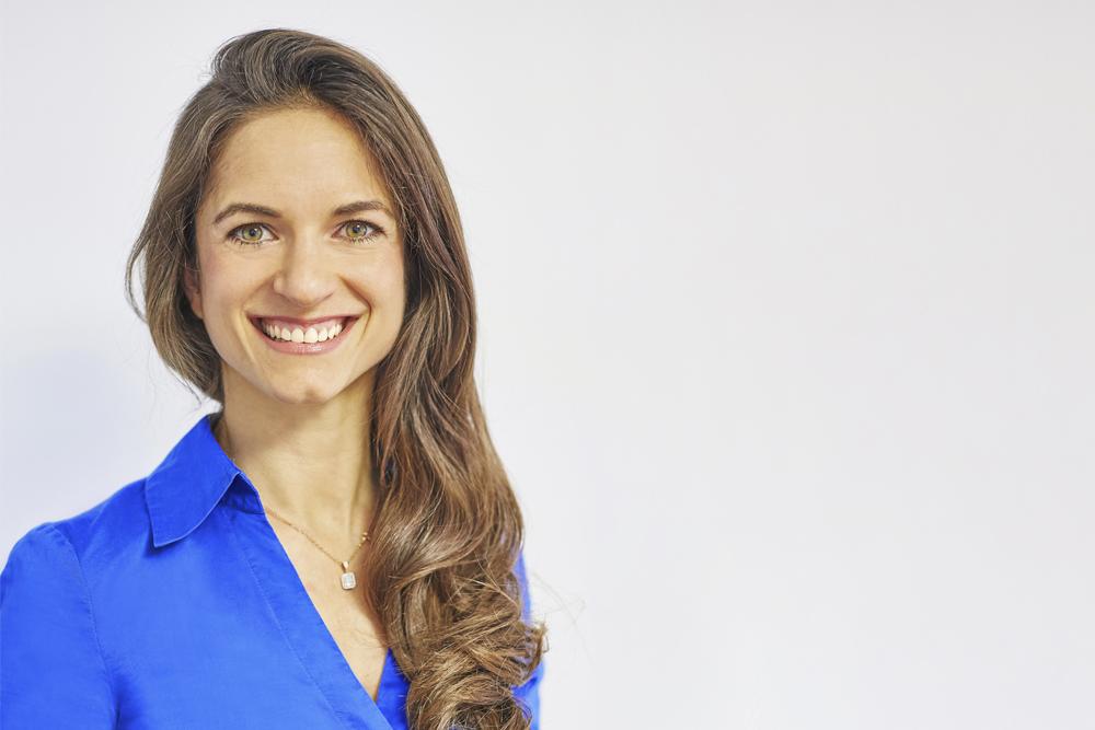 Fachzahnärztin für Kieferorthopädie - Freising Smile - Team - Dr. Hatami